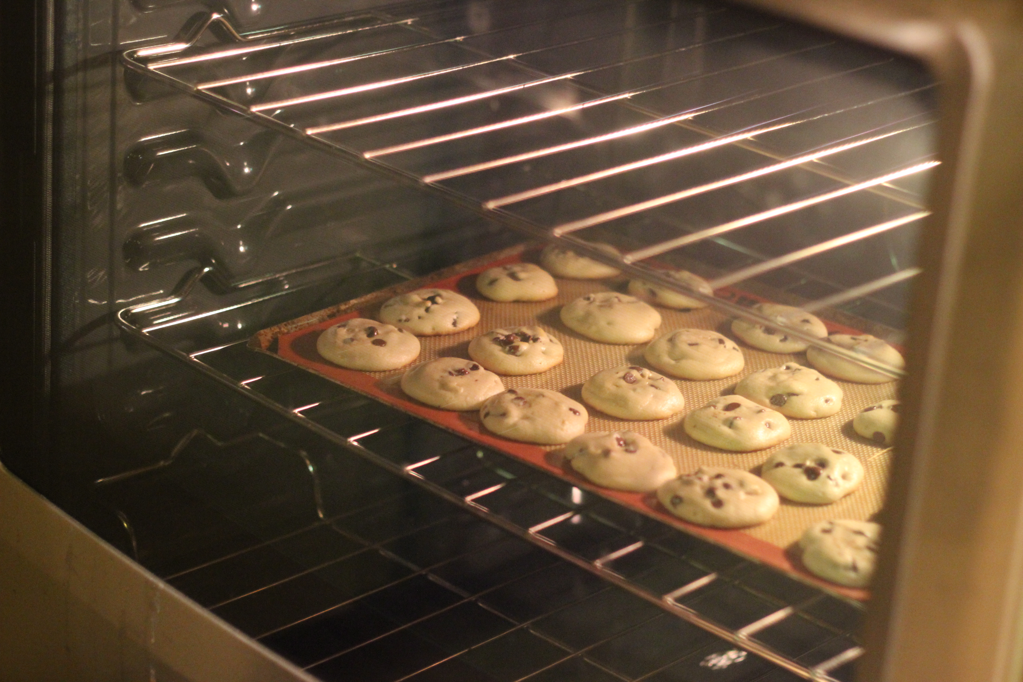 Cake In Oven ~ Convenient cooking with maytag maytagmoms sweet t makes