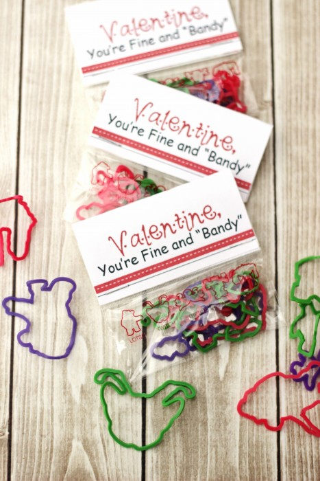 This free Valentine printable makes a cute no candy valentine for boys or girls depending on which kind of silly bands you choose.