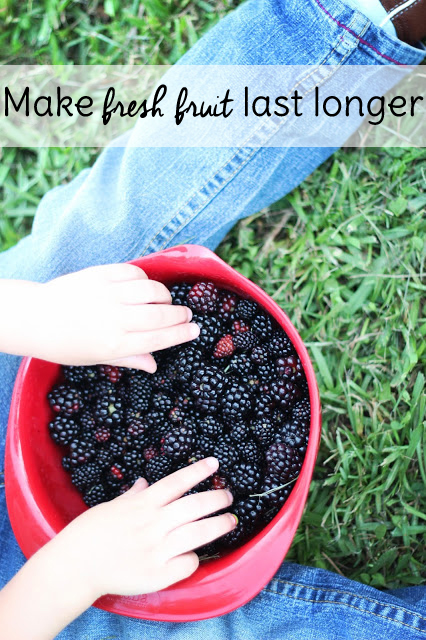 Make fresh fruit last longer with this simple tip. This Frugal living idea will save you a bundle on produce this summer!