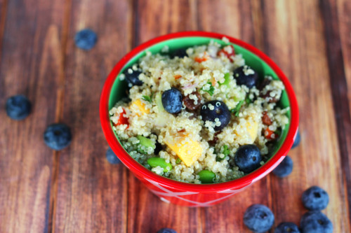 Need lunch box ideas for kids or adults? Try this easy healthy recipe for blueberry quinoa salad.