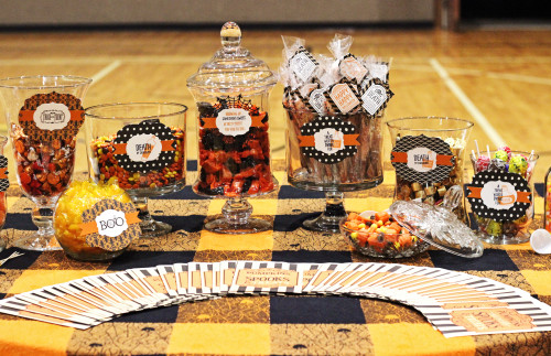 Halloween Candy Bar with Halloween treat bags