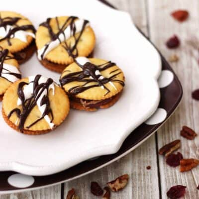Pecan Apple RITZwiches holiday ritz cracker recipe for Thanksgiving