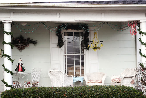 1920s historic home tour. Beautiful Vintage Christmas Decorations for Outside.