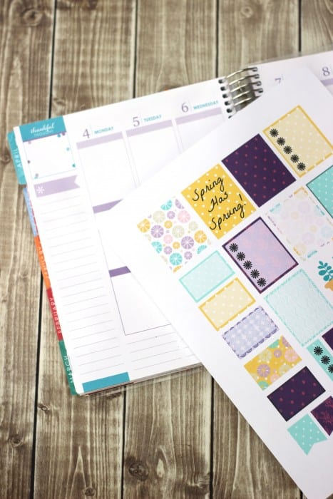 Check out these free Erin Condren planner stickers for spring! Perfect planner stickers for your vertical ECLP