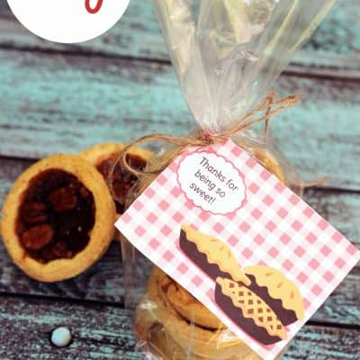 This free printable coupled with sweet treats make perfect DIY thank you gifts for coworkers, teachers, and more.