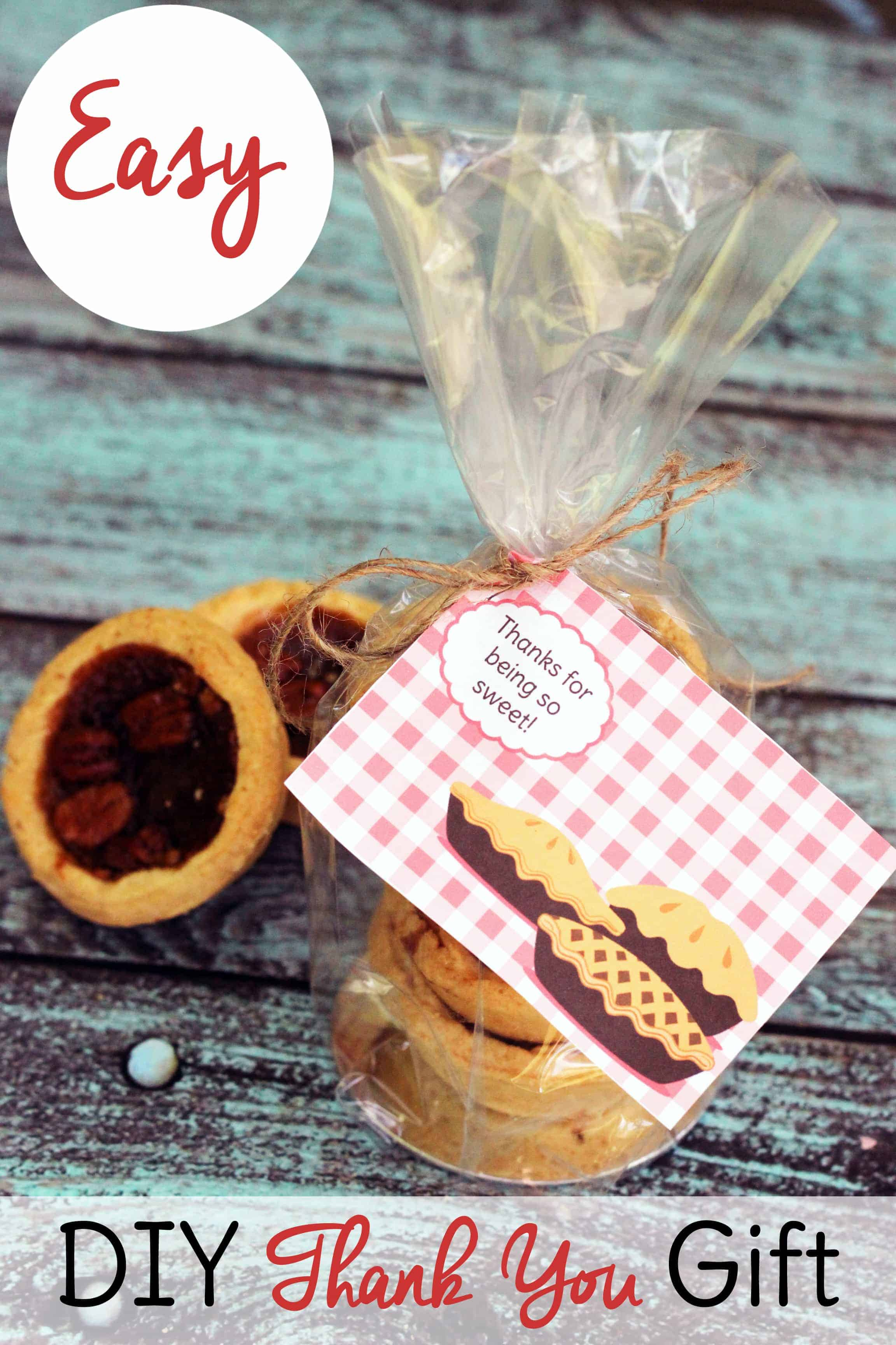 This free printable coupled with sweet treats makes perfect DIY thank you gifts for coworkers, teachers, and more.