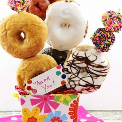 Homemade thank you gifts don't have to be complicated. Check out these easy gifts using an assortment of treats from your local grocer's bakery section