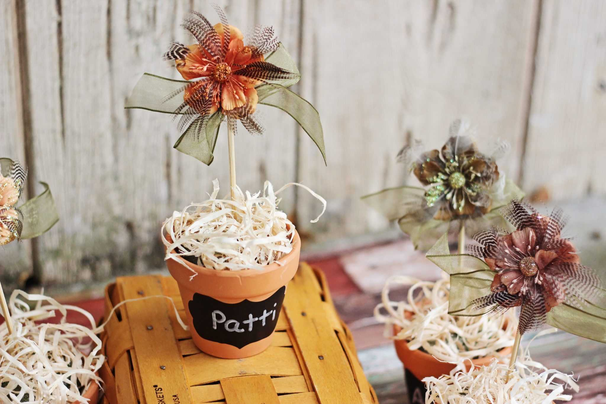 Make these Thanksgiving crafts and use them in lieu of place cards at the table. They double as cute fall decor until turkey day arrives!
