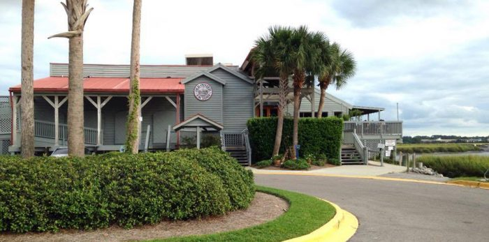 Wondering where to eat in Hilton Head? Check out the Old Oyster Factory. Family friendly dining with beautiful views. Be sure to get a reservation as it's a popular spot!