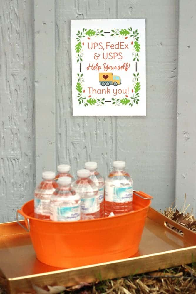 Free printable for the home to place outside with treats for your UPS driver, Fedex delivery man, or mail carrier. It's a great way to show your appreciation!