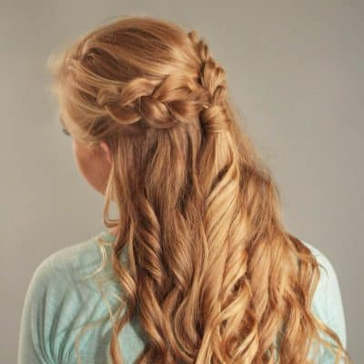 You'll want to add this step by step Dutch braid with curls tutorial to your Christmas party hairstyles board! This simple holiday hair style is perfect for medium or long hair.