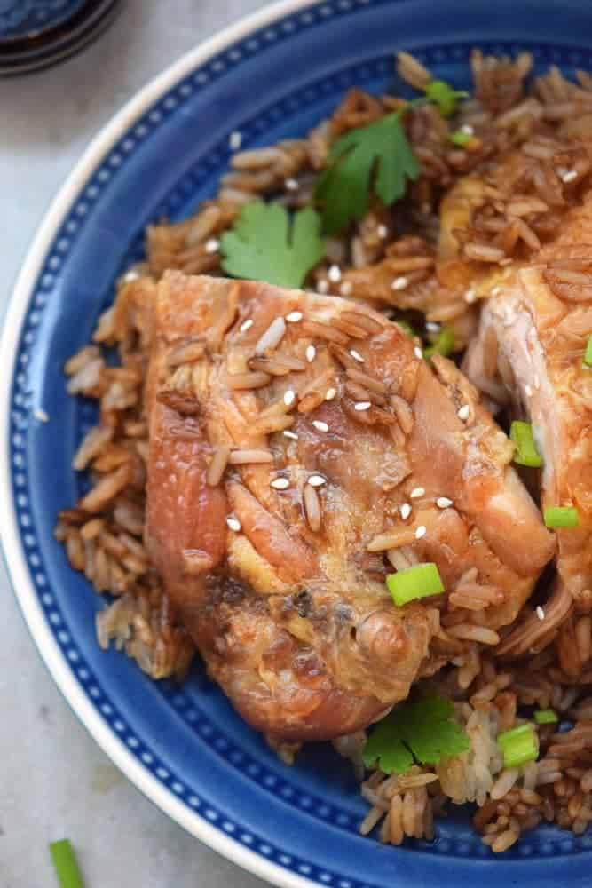 One pot meals take the stress and the mess out of the kitchen. Try this one pot Asian style takeout for an easy dinner this week!