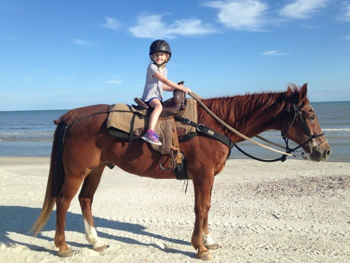 Horseback riding on the beach in florida for Places to go horseback riding near me