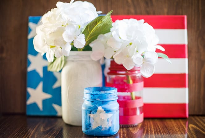 Feel patriotic while making these 4th of July crafts for preschoolers. Combine these American flag crafts kids can make to create a tabletop setting!