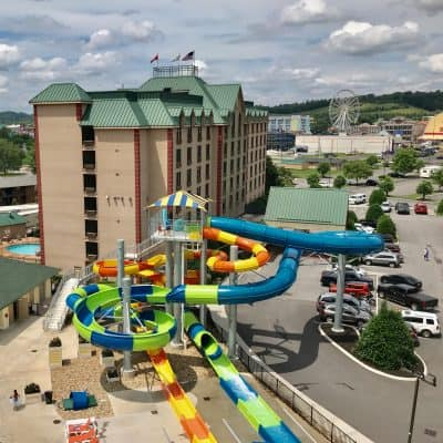 5 Reasons to Stay at Country Cascades Pigeon Forge Tennessee