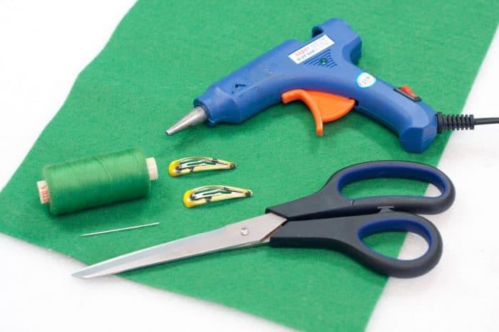 shamrock hair clip craft materials