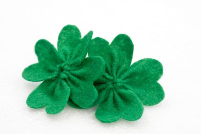 finished shamrock DIY hair bows