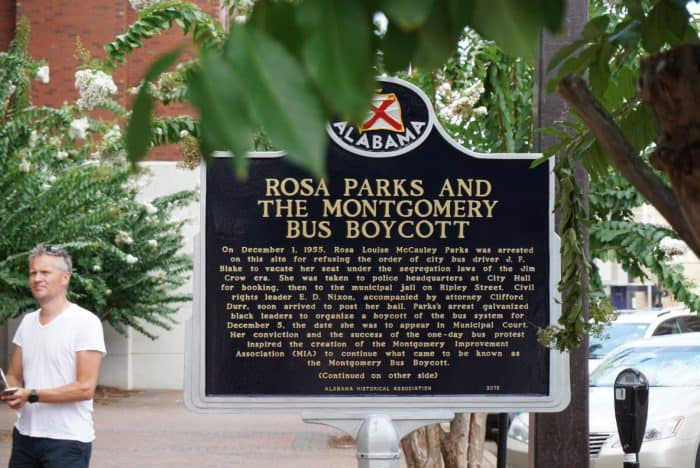 historical marker in montgomery alabama about rosa parks and the montgomery bus boycott